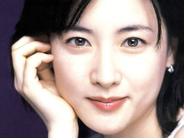 """Lee Young Ae: """"My Family Comes First"""""""