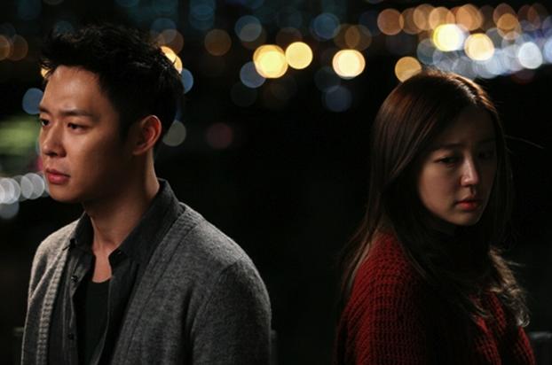 """""""I Miss You"""" Unveils First Stills of Park Yoo Chun and Yoon Eun Hye"""