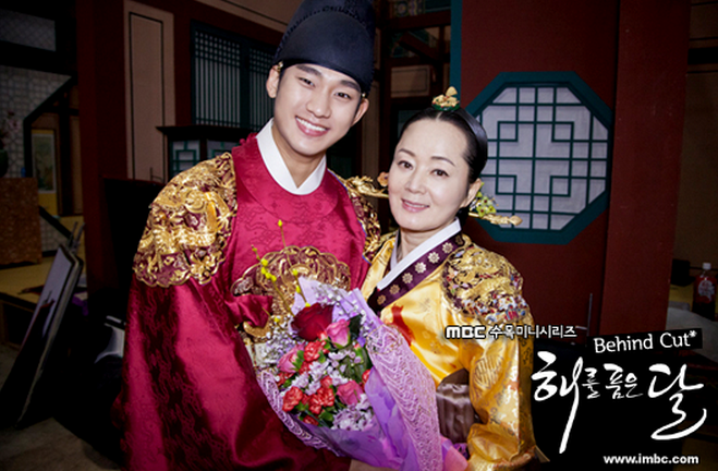 "Veteran Actress Fought Cancer while Filming ""The Moon that Embraces the Sun"""