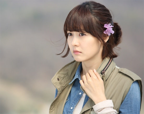 Sung Yuri in Vogue Girl Winter Pictorial