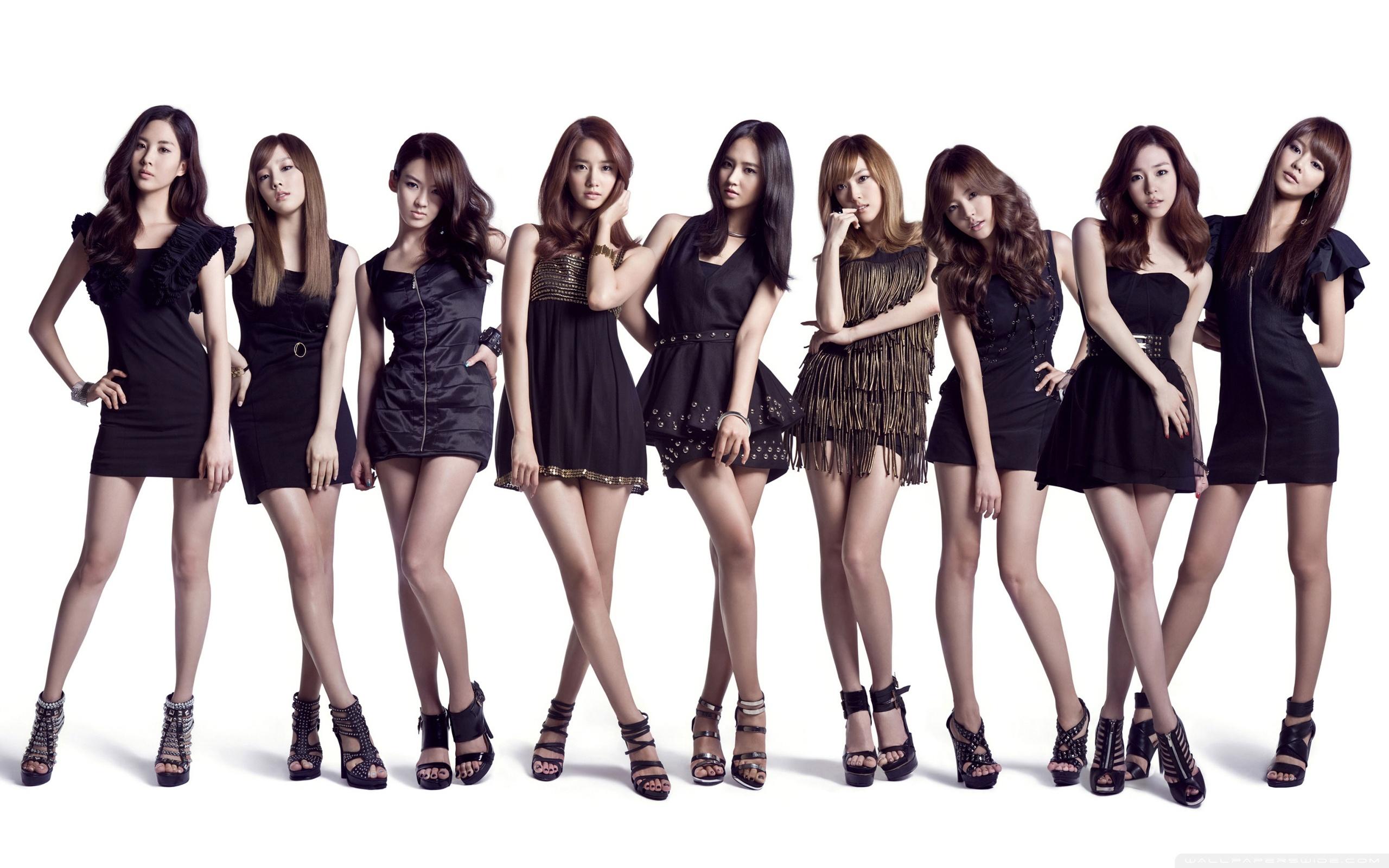 Japanese Version of Girls' Generation Draws Attention