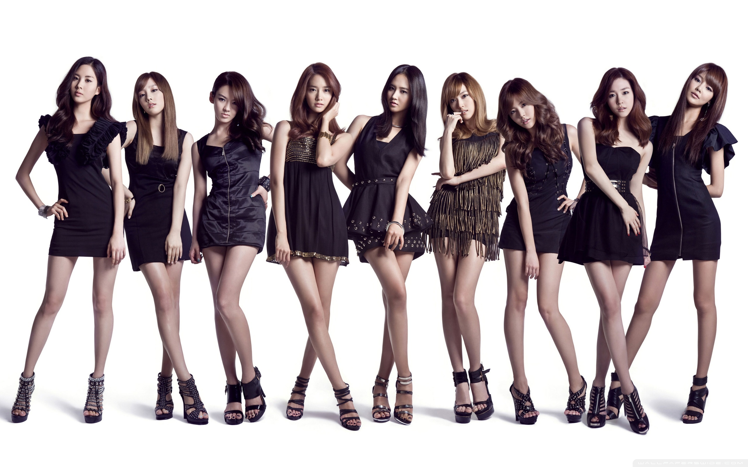 Japanese Version of Girls' Generation Draws Attention