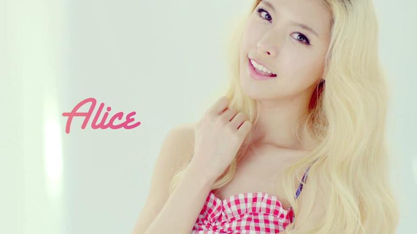 """Hello Venus' Alice: """"I Lied About Getting Into College So I Could Be a Singer"""""""