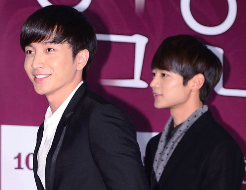 """SHINee's Minho and Super Junior's Leeteuk, Siwon, and Donghae Attend """"Dangerous Liaisons"""" VIP Preview"""