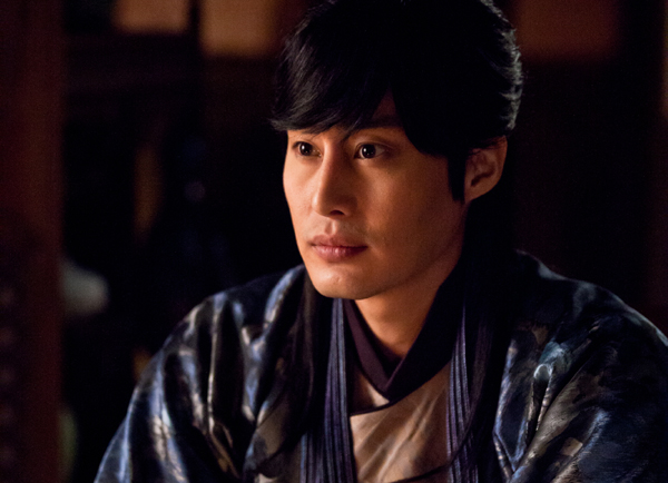 "Actor Phillip Lee to Leave ""Faith"" Due to Eye Injury"