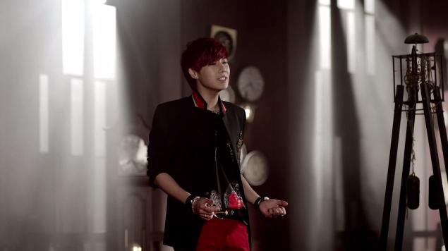 "Infinite's Kim Sung Kyu Releases Solo Debut MV ""60 Seconds"""
