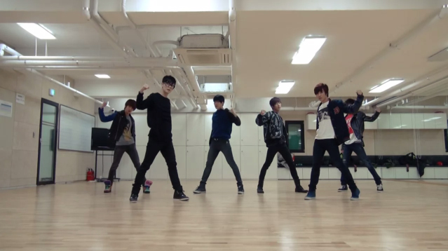 """Boyfriend Releases Dance Practice Video for """"Janus"""""""
