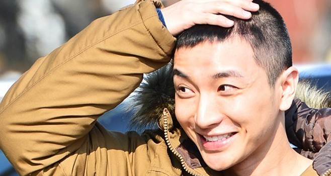 Super Junior's Leeteuk Apologizes to Figure Skater Kim Yuna Again for Past Scandal