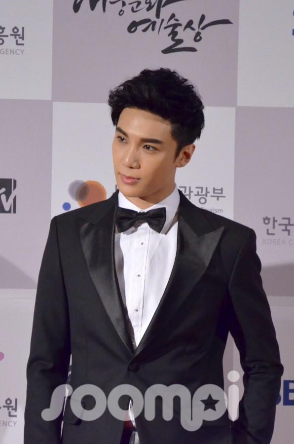 [Exclusive] SHINee, BTOB, Kim Soo Hyun, Ailee, and more at 2012 Korea Popular Culture & Art Awards Red Carpet