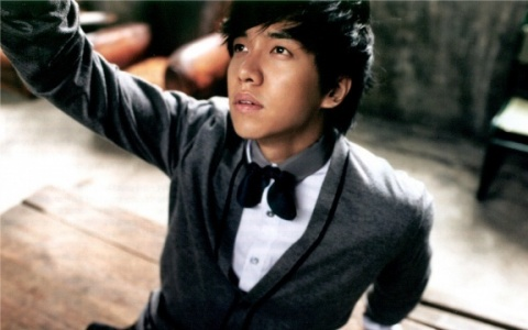 Lee Seung Gi Transforms Into a Lyricist for Latest Album