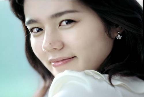 Han Ga In Makes a Beautiful Clown