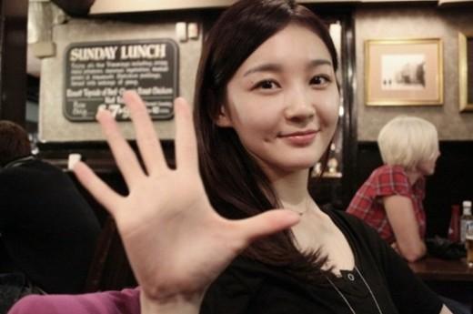 Davichi's Kang Min Kyung Radiates in Latest Photos