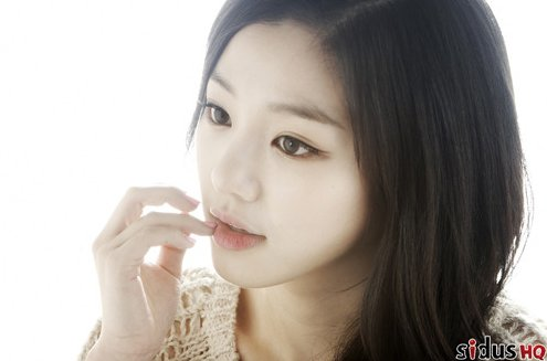 """""""Nice Guy's"""" Lee Yoo Bi Looks Just a Tad Different in Past Pictures"""