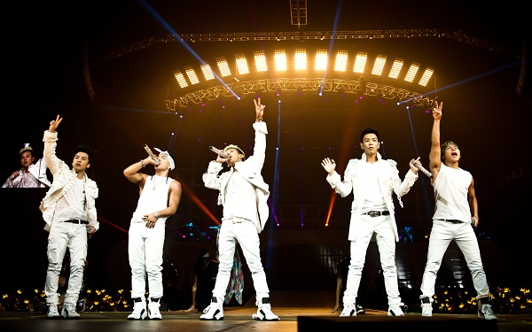 Big Bang Kicks Off U.S. Tour with Sellout Concert in L.A
