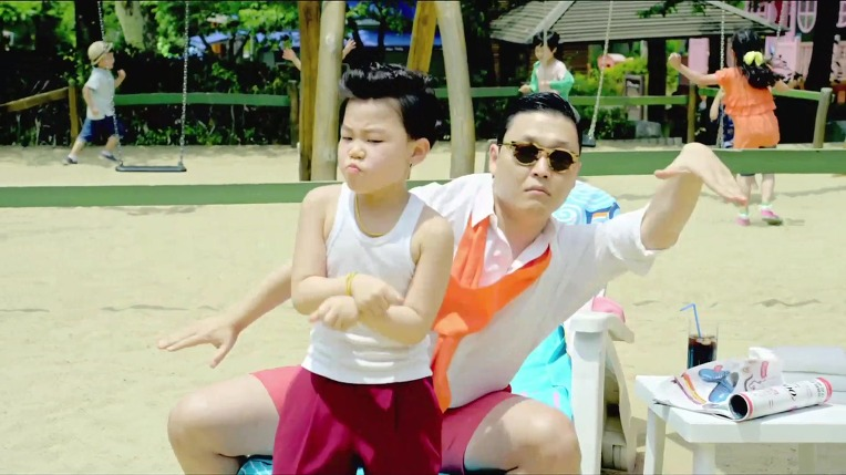 """How """"Little PSY"""" Came To Appear in """"Gangnam Style"""" MV"""