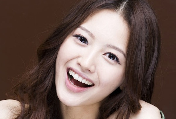 Rainbow's Jaekyung Competes For Bagel Girl Title