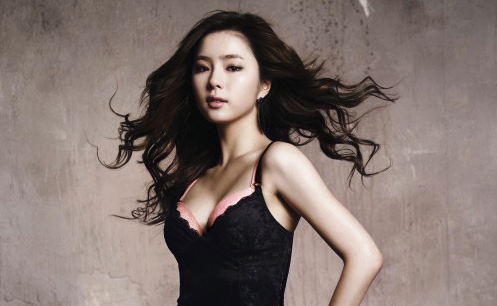 """Shin Se Kyung Takes on New Projects after """"Fashion King"""""""