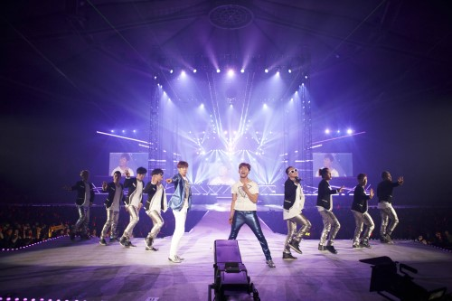 DBSK Kicks Off World Tour Concert in Seoul