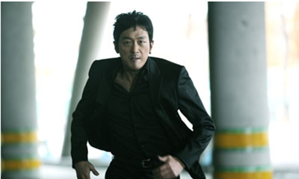 Ha Jung Woo Catches Drunk-Driving Hit-and-Run Culprit