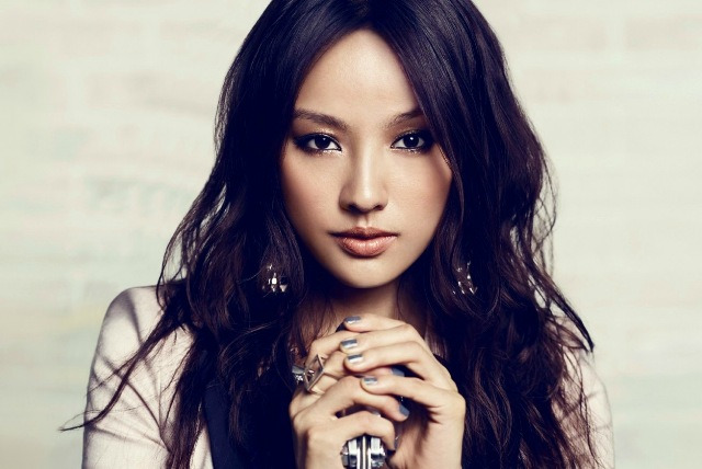 Lee Hyori's Unreleased Photos Posted Online