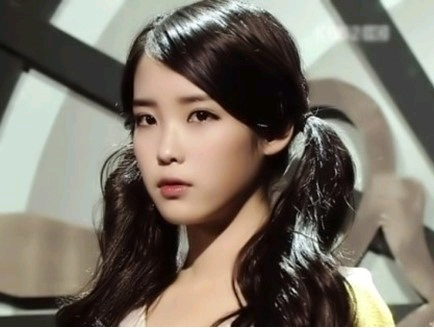 """IU Is """"Nation's Little Sister"""" No More?"""