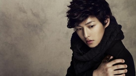 Song Joong Ki Adores His Sister Lee Yoo Bi