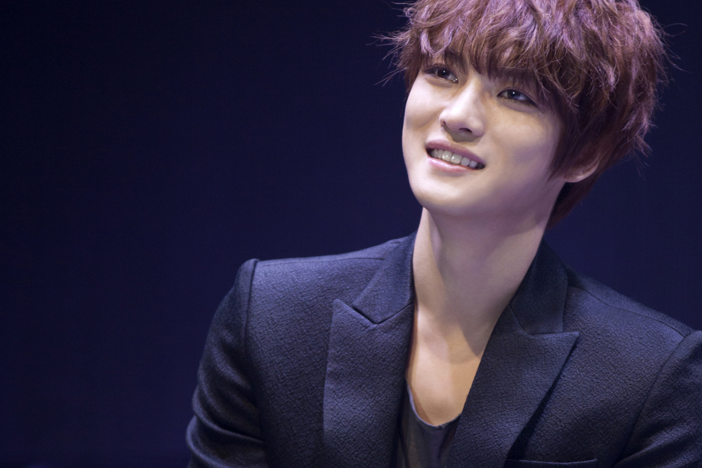 JYJ's Kim Jaejoong Congratulates Super Junior on Their 9th Anniversary
