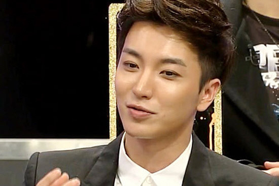 Super Junior's Leeteuk Admits to Personally Meeting Up with Actress Oh In Hye Outside Work