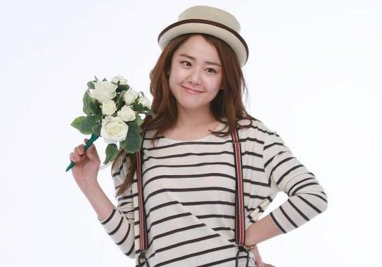 "Moon Geun Young Reveals Killer Resume for ""Cheongdamdong Alice"""
