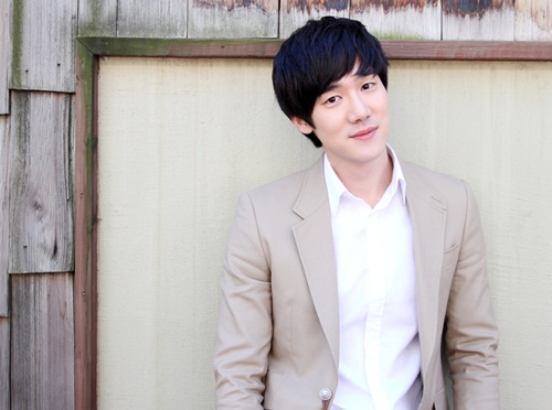 """Old Boy"" Director, Park Chan Wook, Wishes He Was Nicer to ""Reply 1994"" Yoo Yeon Seok 10 Years Ago"