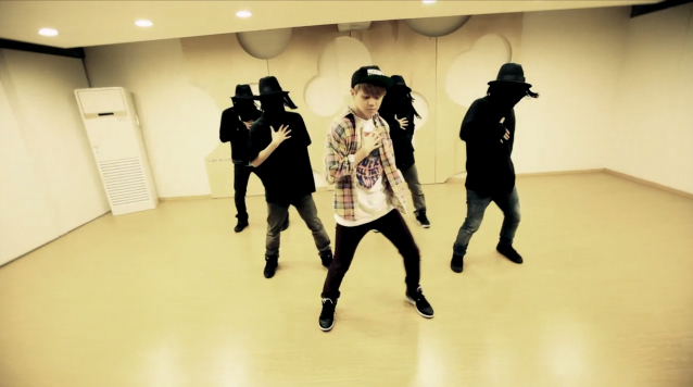 "Yoseob Reveals Dance Practice Video for ""Caffeine"""