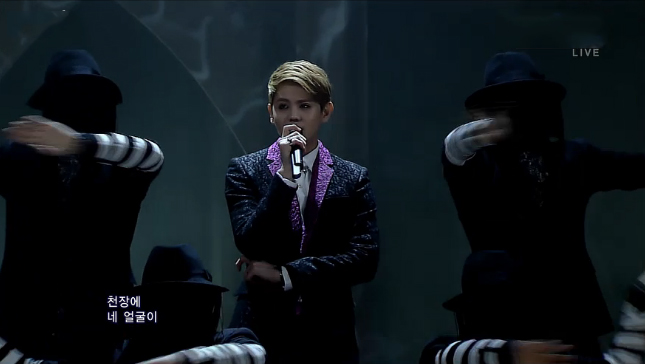 """Yoseob Performs """"Caffeine"""" for Inkigayo Debut Stage"""