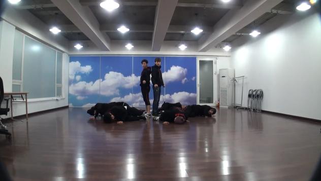 """DBSK Reveals Dance Practice for """"Humanoids"""""""