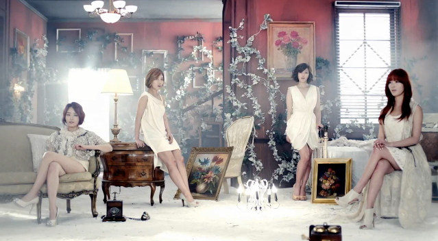 "Secret Releases Music Video for ""Talk That"""