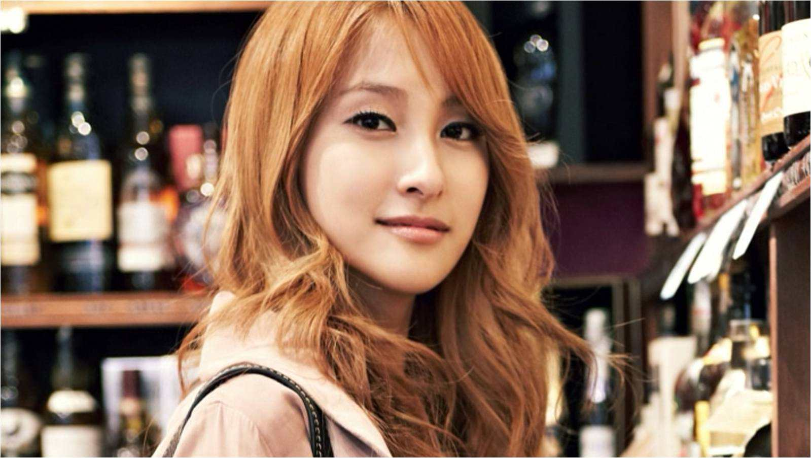 Kara's Gyuri Takes Intimate Picture With Actor Ryu Seung Yong