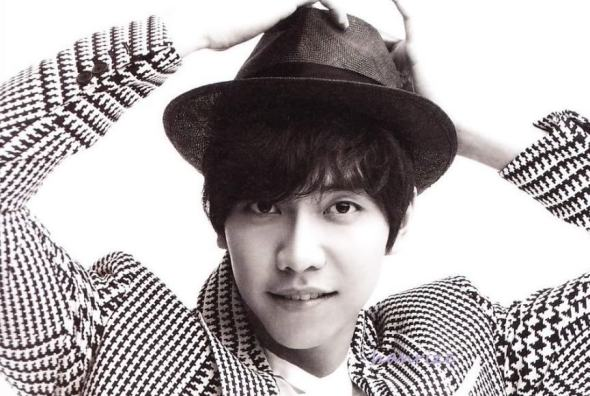 Lee Seung Gi Acts Differently Around Pretty Girls?!