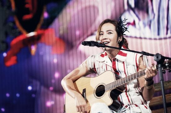 """Jang Geun Suk Shares His Thoughts on Finishing 2012 Asia Tour Concert """"CRI Show 2"""""""