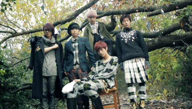 """B1A4 Reveals """"In The Wind"""" Album Photoshoot BTS"""