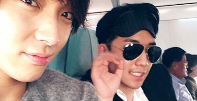 Big Bang's Seungri and FT Island's Jong Hun Spend Quality Time in Airplane