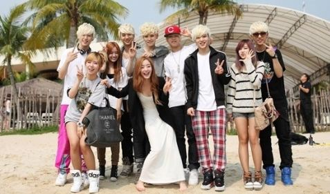 Secret's Sun Hwa Takes Adorable Picture With B.A.P's Him Chan