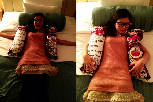 Actress Kim Yoo Jung Takes Selcas With Hello Kitty Glasses
