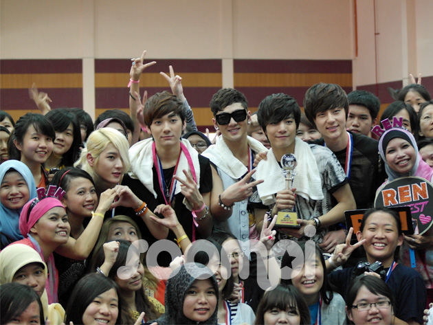 [Exclusive] NU'EST Spent Two Days Having Fun-Filled Activities With Malaysian L.O.Λ.Es