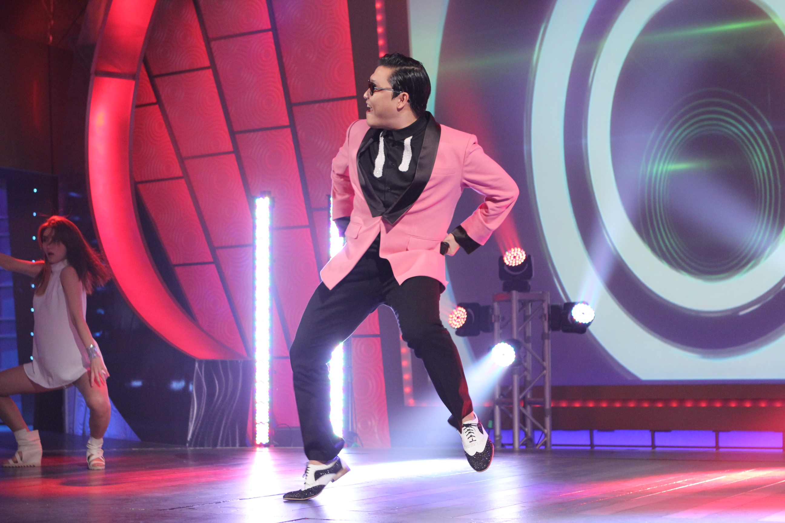 """PSY to Appear on Longest Running Variety Show """"Sabado Gigante"""""""