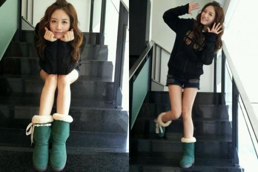 Rainbow's Kim Jae Kyung Shares a Doll Face Selca