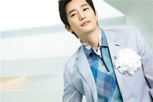 """Park Shi Hoo: """"I Like to Go Clubbing And Look at Pretty Girls"""""""