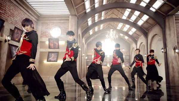 Boyfriend Takes Third Place on Oricon's Weekly Chart