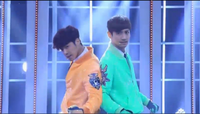 "DBSK Performs ""Humanoids"" for Music Core Comeback"
