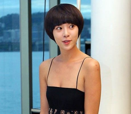 Hwang Jung Eum Spotted Shopping in Chungdamdong
