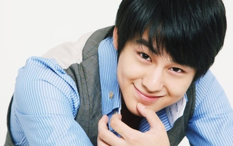 Kim Bum Thanks Fans for Christmas Gifts