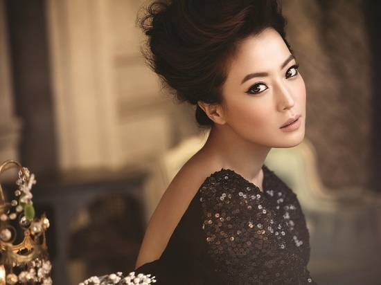 Actress Kim Hee Sun Denies Having A Diva Attitude